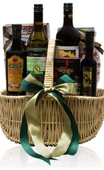 AN ORGANIC TREASURE GIFT BASKET